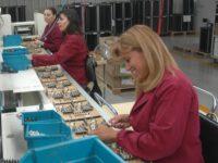 Niemcy praca na produkcji bez języka dla par przy kontroli jakości elektroniki Berlin 2020