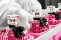 Od zaraz Anglia praca bez znajomości języka przy pakowaniu perfum dla par w Londynie